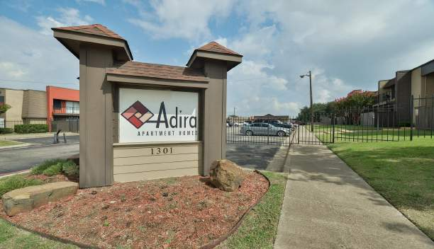 ADIRA APARTMENTS – DALLAS, TX | Contract Closing 11/17